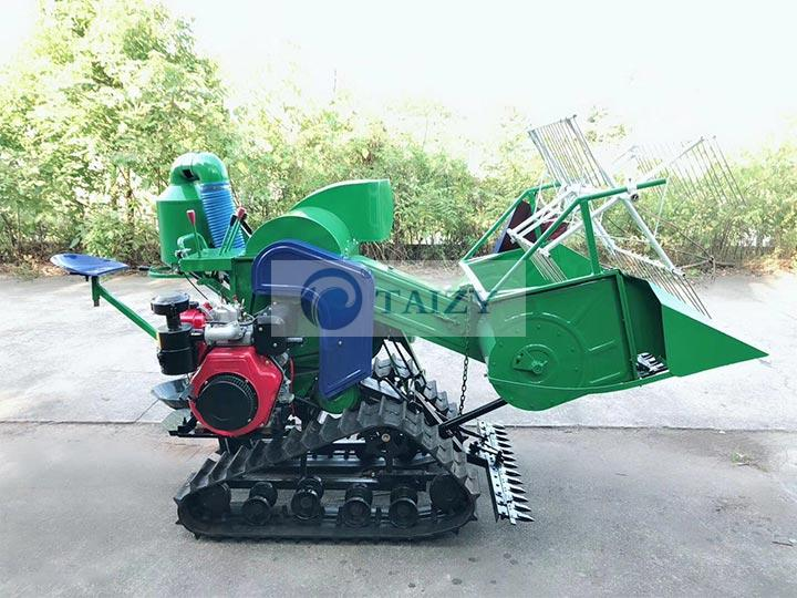 combined wheat harvester machine