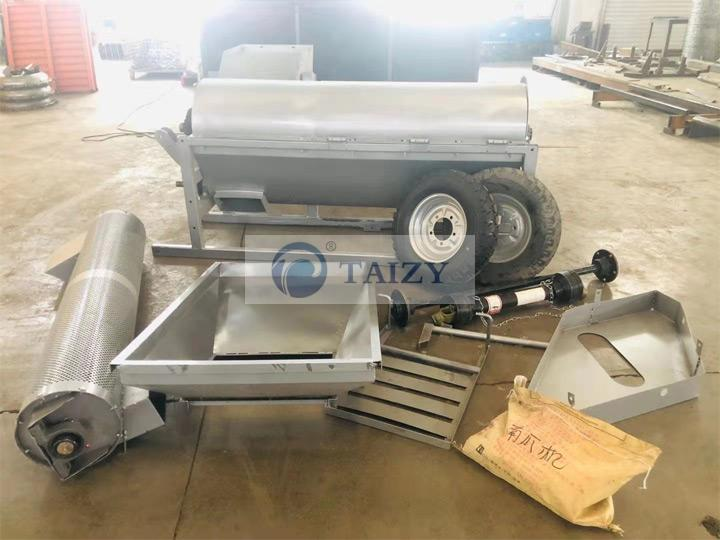 Pumpkin-seed-extractor-assembly